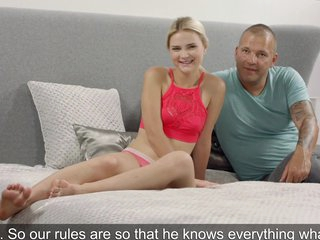 Young blonde came to the casting and had sex with experienced man...